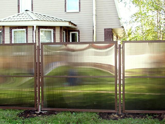 Забор из поликарбоната сотового своими руками